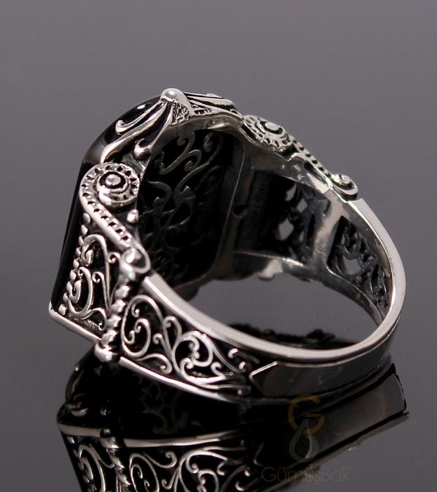 Siyah Oniks Taşlı Desenli Gümüş Erkek Yüzük