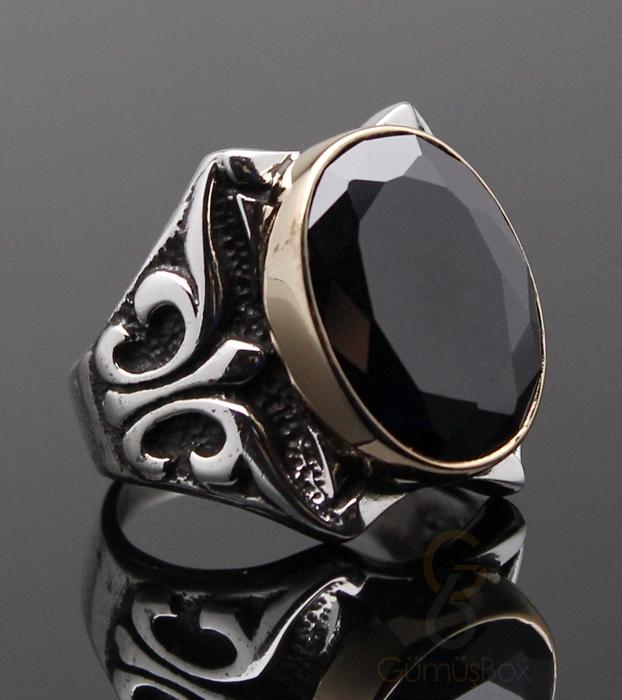 Siyah Zirkon Taşlı Tasarım Yüzük
